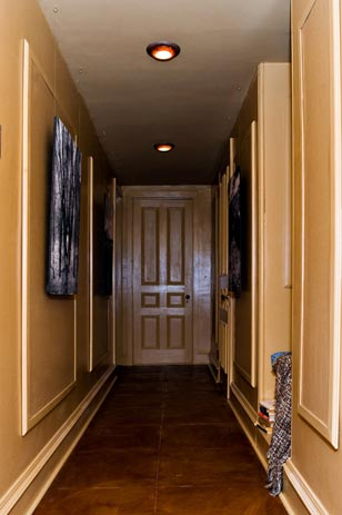 The Lap of Leather Luxury<br>Renee Norris-Jones' Third Floor Hall