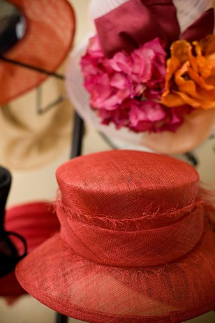 AroundMainLine.com is the official media sponsor of the 2009 Devon Horse Show's Ladies Day Hat Contest—which will be emceed by popular television personality and Horse Show veteran Carson Kressley.  The contest is Wednesday, May 27th from 1-2 p.m.