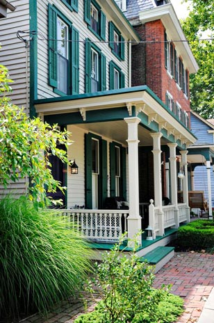 Chesapeake City is on the National Historic Registry as well as Maryland's Historic Registry. The town is an ideal, romantic fall daycation-just over an hour drive from the heart of the Main Line.