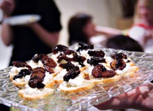 Bruschetta with Goat Cheese and Glazed Figs