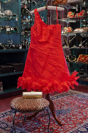 Red hot and oh-so-super-sexy…shop Paoli's VanCleve for your 2012 Red Ball gown and chic accessories while giving back to Philly's Red Cross on Thursday, January 26th!