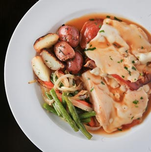 One lucky AroundMainLine.com fan will win a $100 gift certificate to Berwyn's Alfredo BYO.  Comment by noon on Thursday, May 31st for a chance to win.