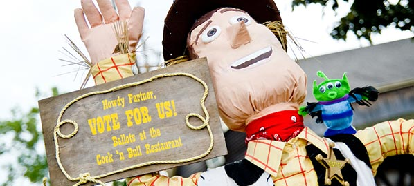 Peddler's Village Annual Scarecrow Festivities