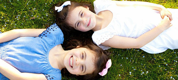 Spring has sprung so why not take your gorgeous family to the park for a professional photo session and create memories to last a lifetime