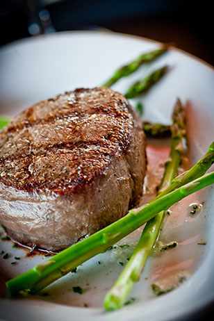 Who wants to win a $100 gift certificate to King of Prussia's Ruth's Chris Steak House?