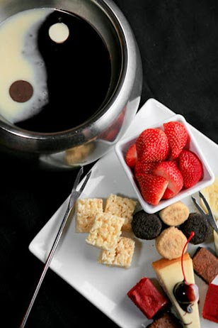Fondue fans rejoice! Here is a terrific chance to dine at The Melting Pot.